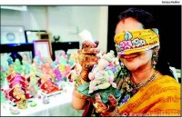 SHAPE SHIFTING Rama Shah makes Ganpati idols while chanting blindfolded
